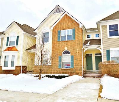 Oxford, Oxford Twp, Oxford Vlg Condo/Townhouse For Sale: 2104 Paradise Trail #Unit 23;