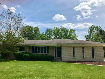 Farmington Hills Single Family Home For Sale: 30125 W 11 Mile Rd.
