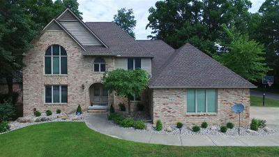 Grand Blanc Single Family Home For Sale: 1143 Kings Carriage