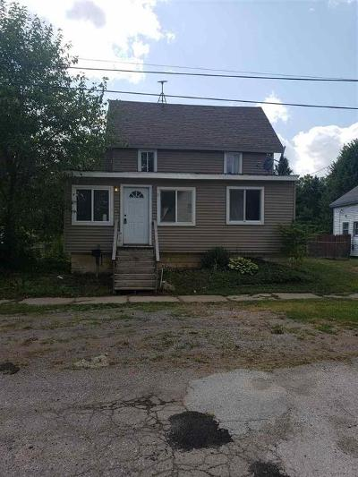 Single Family Home For Sale: 108 S Maple St
