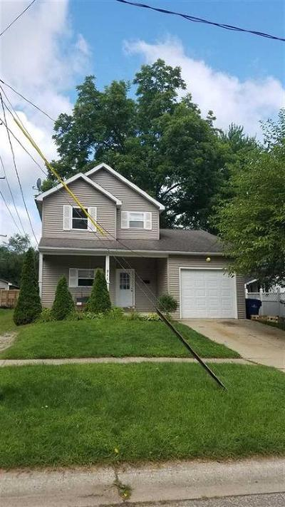 Holly Single Family Home For Sale: 211 W Michigan