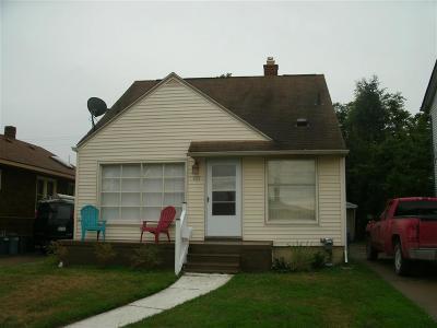 Hazel Park Single Family Home For Sale: 420 E Woodruff