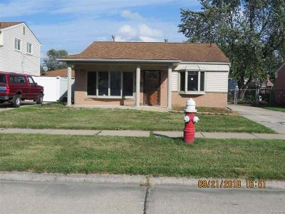 Southgate Single Family Home For Sale: 15475 Mulberry