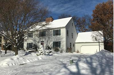 Wixom Single Family Home For Sale: 2000 Grasmere Lane