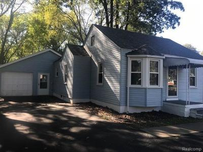 Westland Single Family Home Contingent - Continue To Show: 36139 Schley