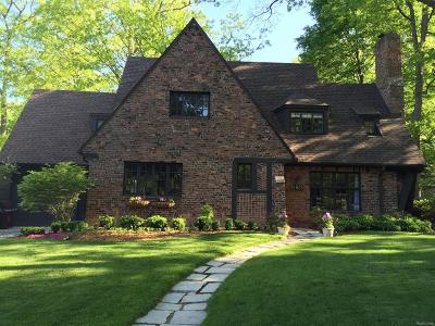 Ann Arbor Single Family Home Contingent - Continue To Show: 1805 Hermitage Road