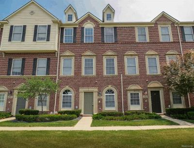 Condo/Townhouse Contingent - Continue To Show: 1583 E Lakeview Lane #73