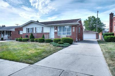 Trenton MI Single Family Home For Sale: $150,000