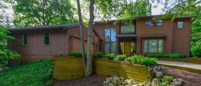 Ann Arbor Single Family Home For Sale: 750 Barclay Court