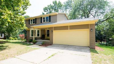 Ann Arbor Single Family Home For Sale: 5 Manchester Court