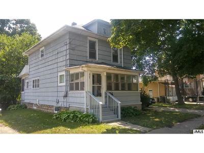 Multi Family Home For Sale: 907 Backus St