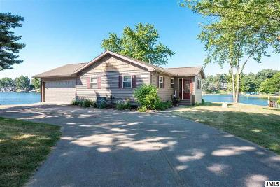 Hillsdale County Single Family Home Contingent - Continue To Show: 11609 Briar Ln