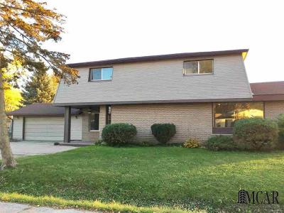 Gibraltar Single Family Home For Sale: 30801 Bayview Dr