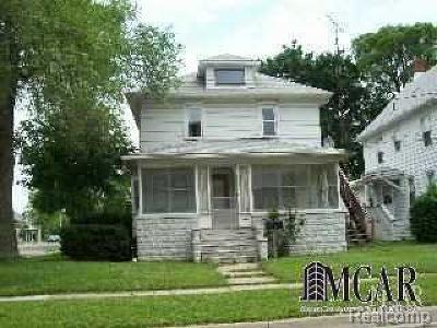 Multi Family Home For Sale: 7 E Noble Ave