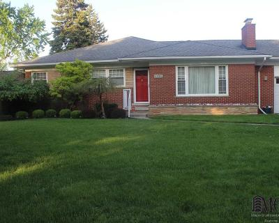 Sterling Heights Single Family Home For Sale: 36410 Briarcliff Rd