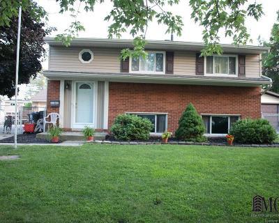 Rockwood Single Family Home For Sale: 31881 Lynne