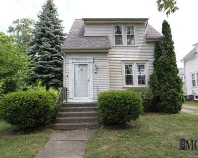 Monroe County Single Family Home For Sale: 326 Shadowlawn Pl