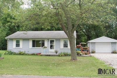 Monroe County Single Family Home Contingent - Continue To Show: 13810 Bayside Dr