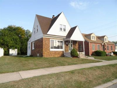 Wyandotte MI Single Family Home For Sale: $159,000