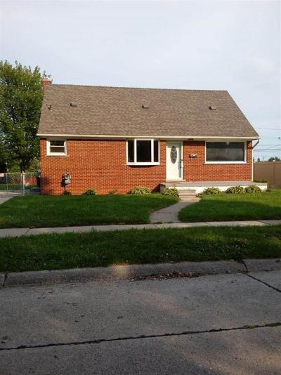 Trenton MI Single Family Home For Sale: $179,900