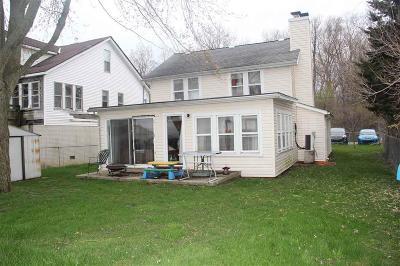 Monroe County Single Family Home For Sale: 7370 Lakeshore