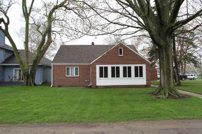 Monroe County Single Family Home For Sale: 12141 Lakeshore Drive
