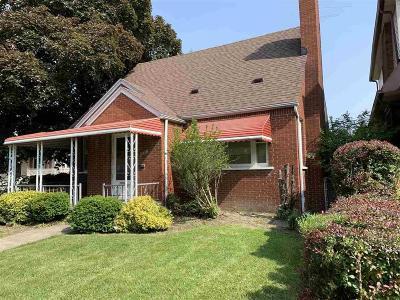 Wyandotte Single Family Home For Sale: 1470 Oak St.