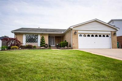 Brownstown Twp Single Family Home For Sale: 20499 Law Ave