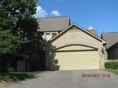 West Bloomfield Condo/Townhouse For Sale