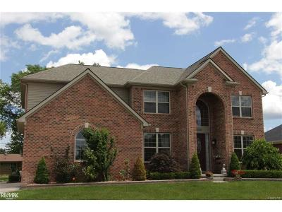 Sterling Heights Single Family Home For Sale: 42424 Hickorywood