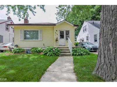 Single Family Home For Sale: 212 S Edgeworth