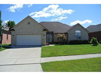 Single Family Home For Sale: 51608 Battanwood