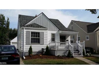 Ferndale Single Family Home For Sale: 705 Channing Street