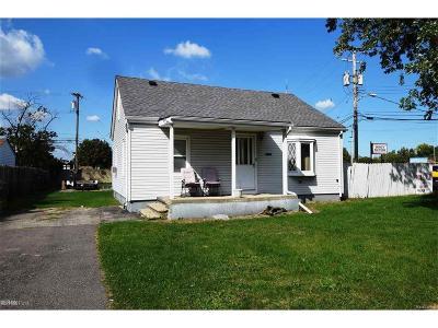 Warren Single Family Home For Sale: 5873 Elm Grove