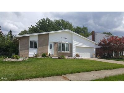 Brownstown Twp Single Family Home For Sale: 27397 Oakcrest