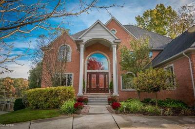 Single Family Home For Sale: 58602 Cory Lake