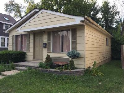 Birmingham Single Family Home For Sale: 1231 E 14 Mile