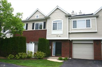 Woodhaven Condo/Townhouse For Sale: 23074 Fairlane Blvd