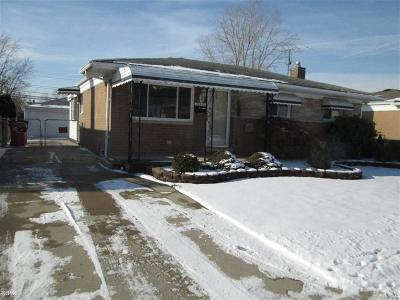 Macomb County Single Family Home For Sale: 30465 J Carls