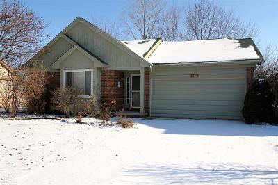 Garden City, Plymouth, Canton Twp, Livonia Single Family Home For Sale: 2481 Woodmont Dr E