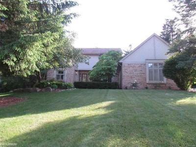 Washington Twp Single Family Home For Sale: 61635 Surrey Lane
