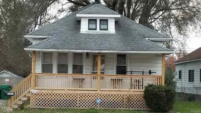 Eastpointe Single Family Home For Sale: 16414 E 10 Mile