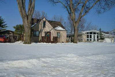 Sterling Heights MI Single Family Home For Sale: $199,900