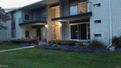 Warren Condo/Townhouse For Sale: 8625 Kennedy Circle #Unit 8/