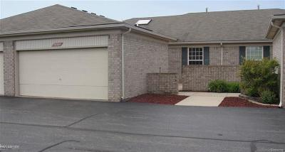 Macomb Twp Condo/Townhouse For Sale: 50265 Paradise