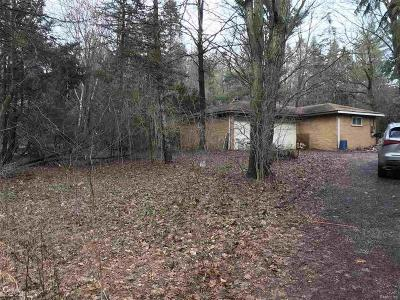 Single Family Home For Sale: 44350 Chedworth Dr