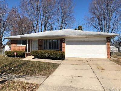 Sterling Heights MI Single Family Home For Sale: $149,900