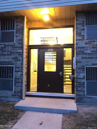 Clinton Twp Condo/Townhouse For Sale: 38290 Fairway Ct #147 #147/ 2