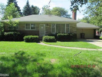 Clinton Twp Single Family Home For Sale: 42491 Garfield Rd