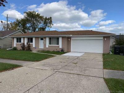 St Clair Shores, Roseville, Clinton Twp, Fraser Single Family Home For Sale: 33914 Floyd